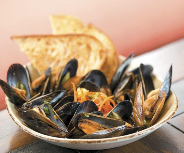 Salt's kimchi mussels