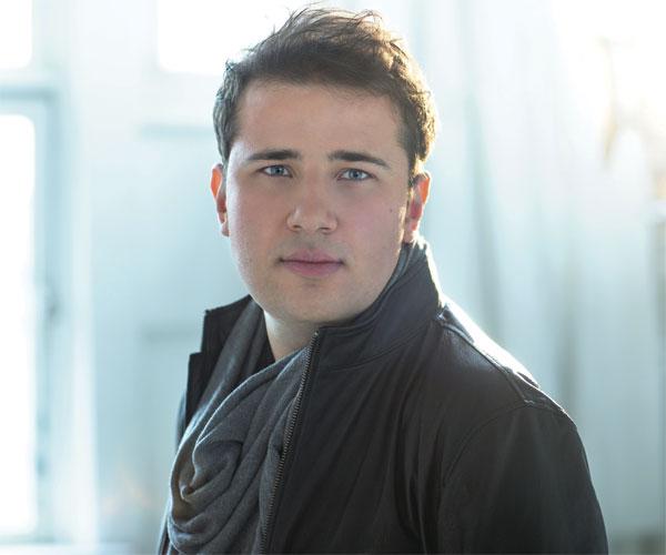 Piano Player Stanislav Khristenko